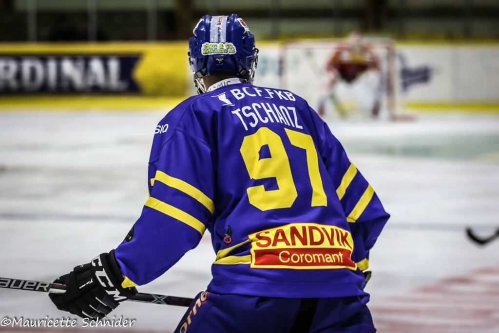 Die Bulls schlagen Star Forward